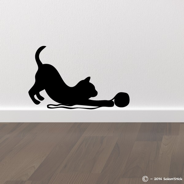 sticker chat avec une pelote. Black Bedroom Furniture Sets. Home Design Ideas
