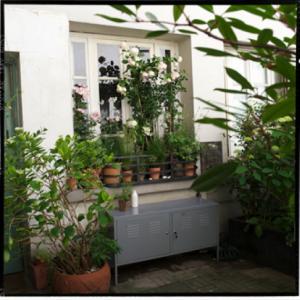 Comment am nager balcon jardin et fen tres - Fixer jardiniere rebord fenetre ...